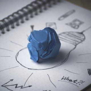 La relación entre riesgo de conflicto y rendimiento empresarial